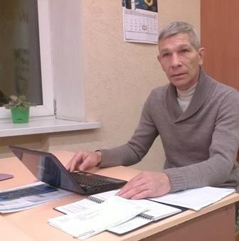 Преподаватель Сергей Адамович