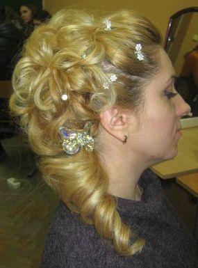 Прическа, сделанная ученицей
