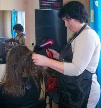 Курсы парикмахеров в Орше: сушка волос