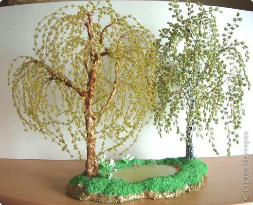 2,вышитый физзи мун,оформленный ввиде пинкипа. мои скромные желания.  1. бисерное дерево акацию,иву или берёзу.