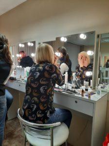 Практическое занятие по макияжу