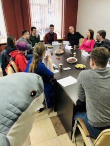 Школа EnglishPapa даже акулу научит говорить!