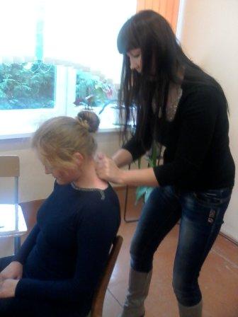Курсы массажа в Лиде: практическое занятие