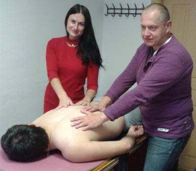 Курсы массажа в Орше: практическое занятие по массажу спины