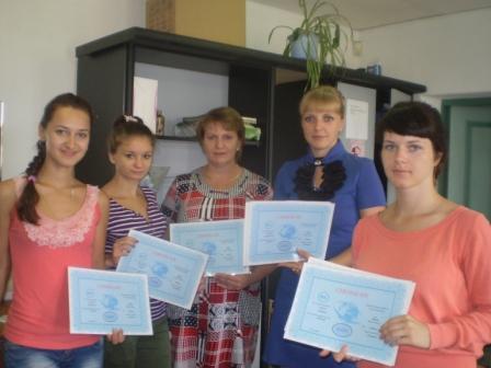 Курсы парикмахеров в Мозыре: вручение документов