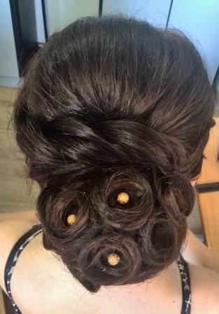 Курсы парикмахеров в Мозыре: прическа, выполненная ученицей
