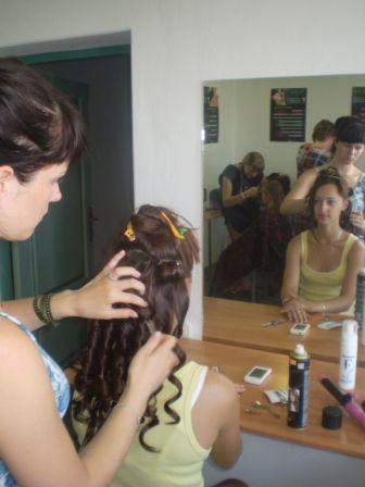 Курсы парикмахеров в Мозыре: накручивание волос на щипцы