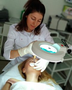 Проведение косметической процедуры