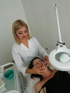 Практическое занятие в косметическом кабинете